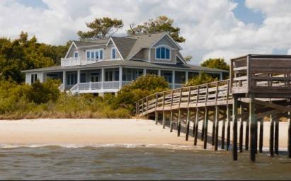 dock-off-emilys-beach-house-revenge1
