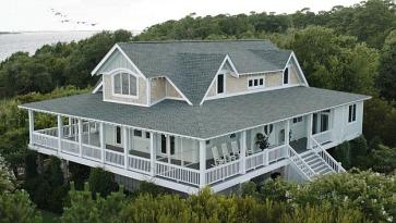overhead-view-emily-thornes-beach-house-hamptons-revenge1