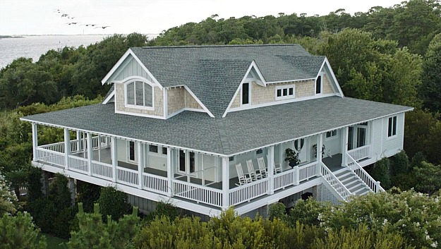 overhead-view-emily-thornes-beach-house-hamptons-revenge1