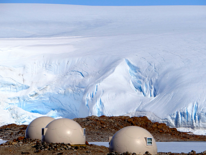 sleeping_pods_in_front_of_the_ice_fall_jpg_9708_north_700x_white